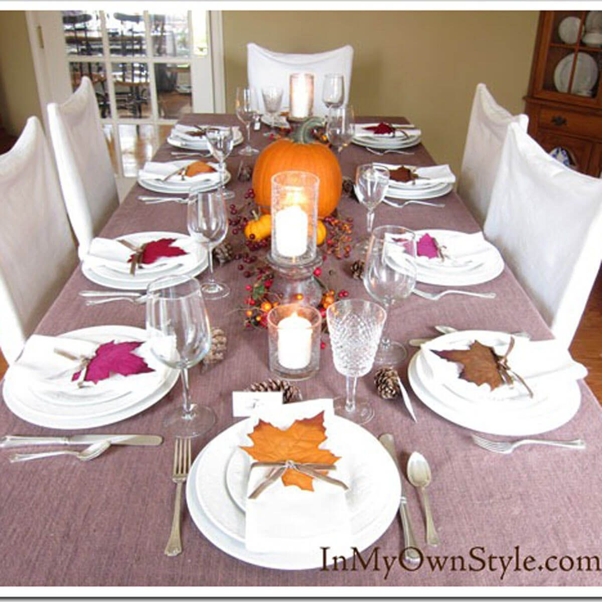 Table-at-Thanksgiving_thumb