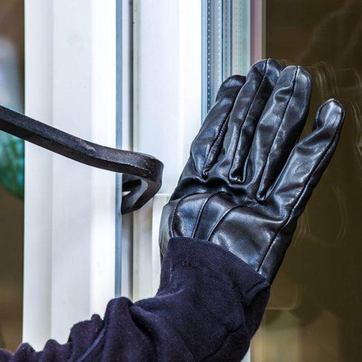 burglar-alarms_402347707_02 break in home security