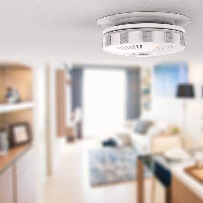dfh10_shutterstock_476795194 smoke detector carbon monoxide CO furnace smells like rotten eggs / furnace smells like sewer