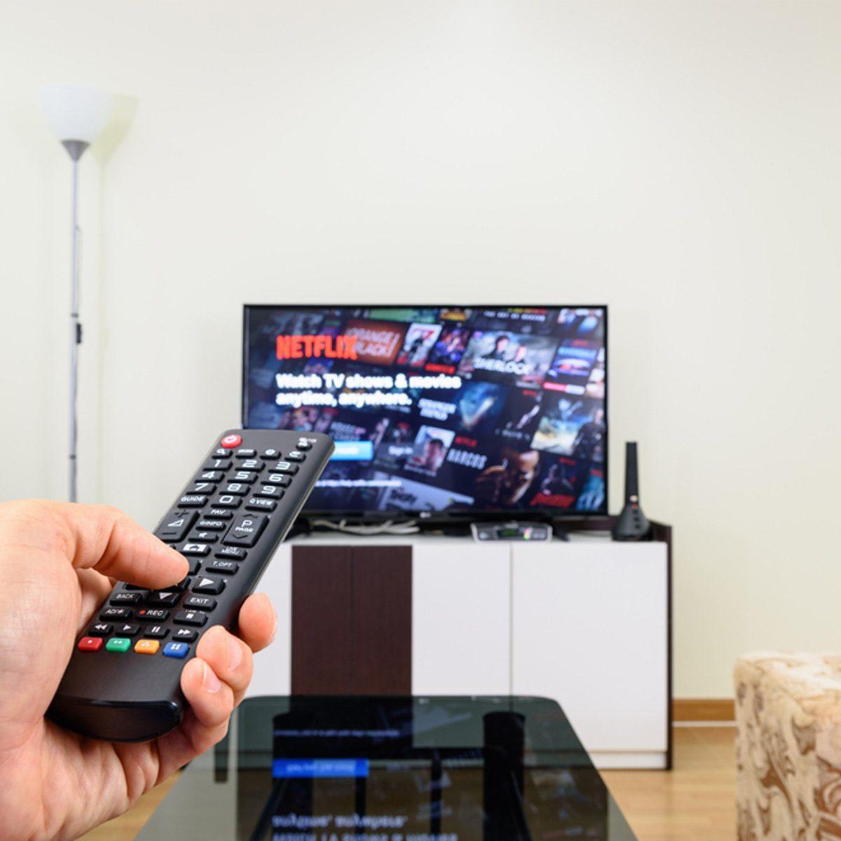 dfh28_shutterstock_611188976 streaming stick remote smart tv netflix