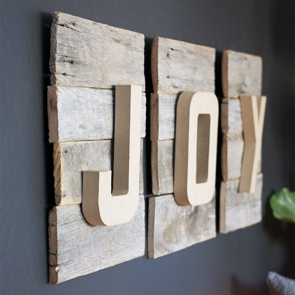 diychristmassign reclaimed wood joy sign