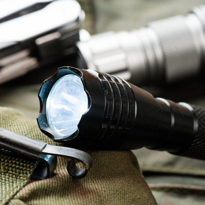 flashlight_462820957