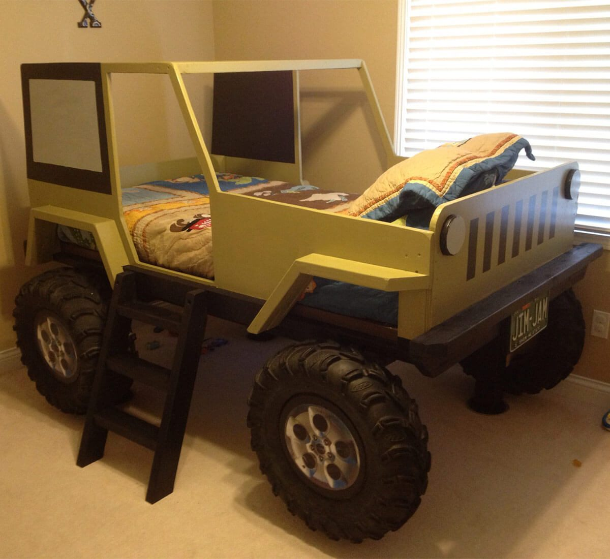 boy jeep bed