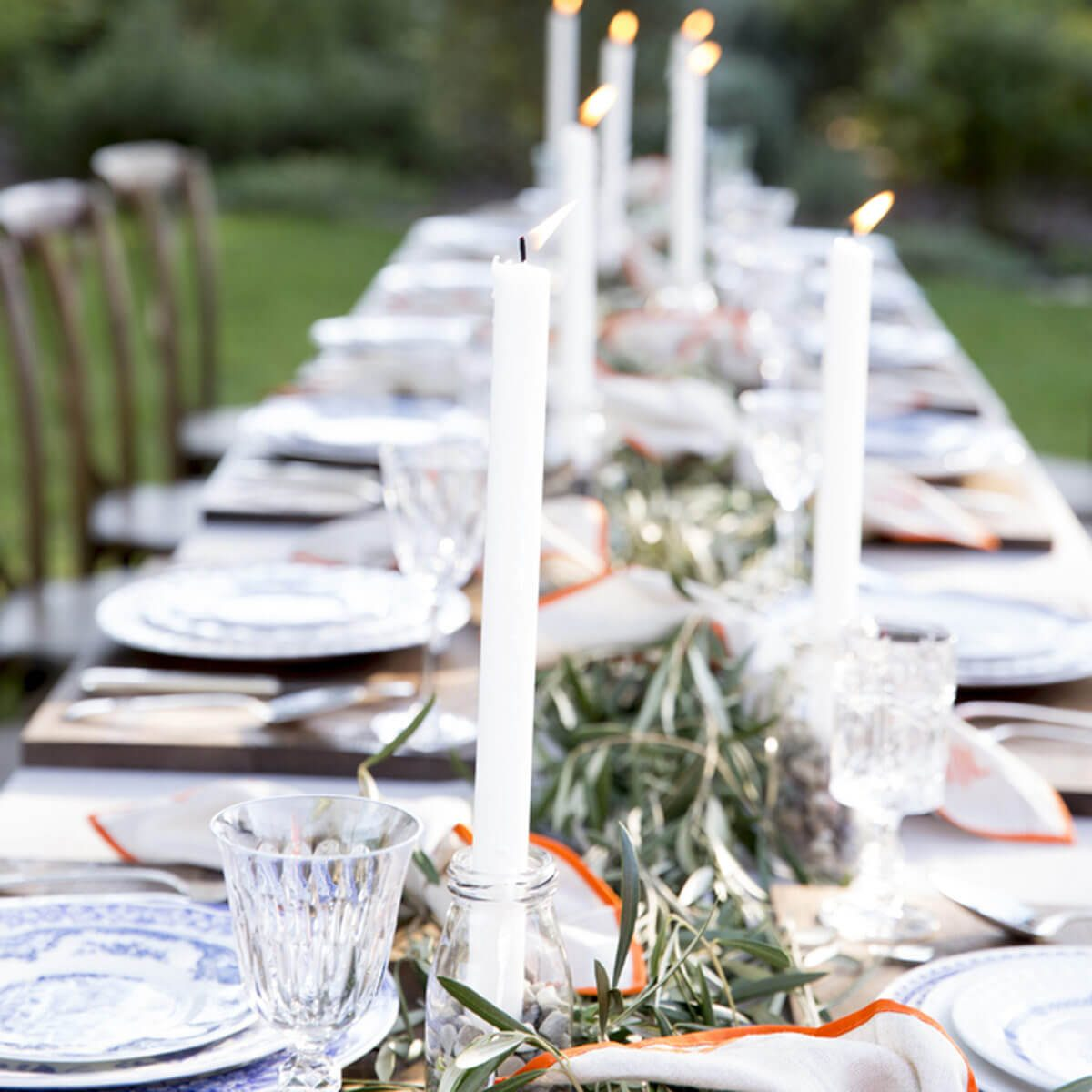 shutterstock_419547097 outdoor party table set up