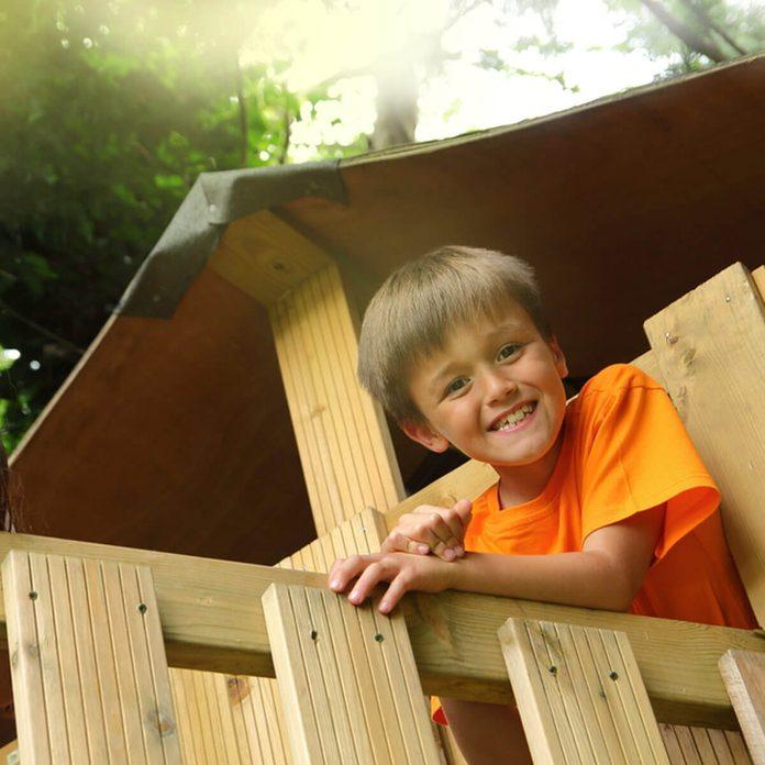 shutterstock_452961139 DIY treehouse