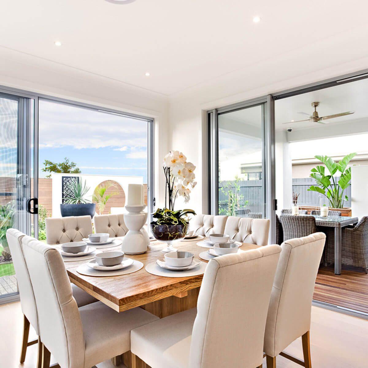 shutterstock_463662353 dining room