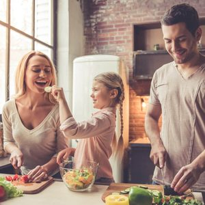 shutterstock_556492396 meal prep cooking family