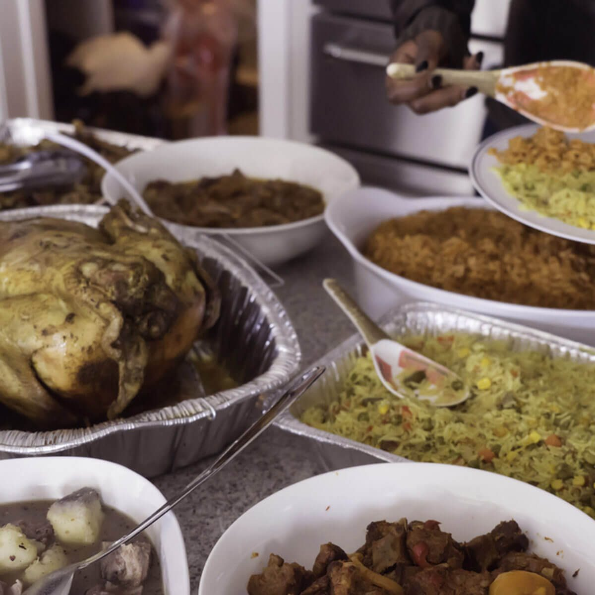 shutterstock_730422505 thanksgiving buffet food turkey