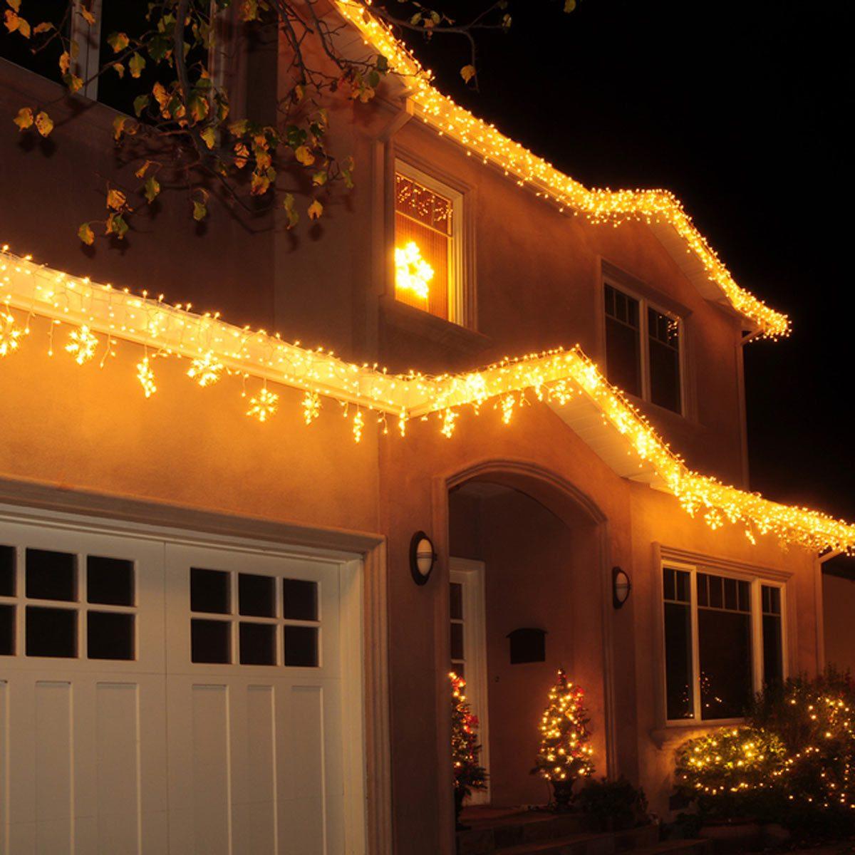Christmas lights_90997451