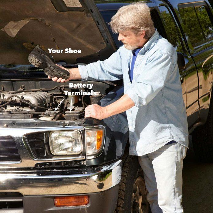 car won't start shoe to battery terminal