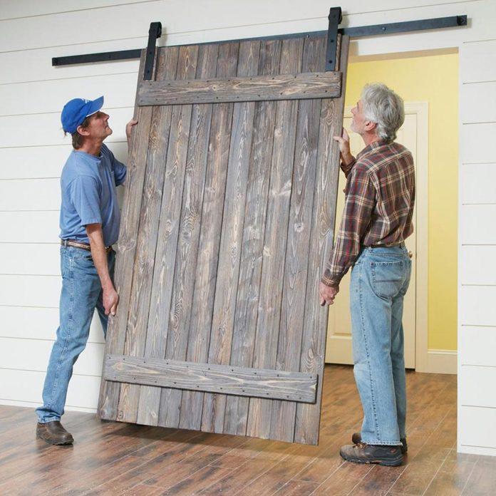 FH17JUN_579_50_046_preview_v2 hang the barn door