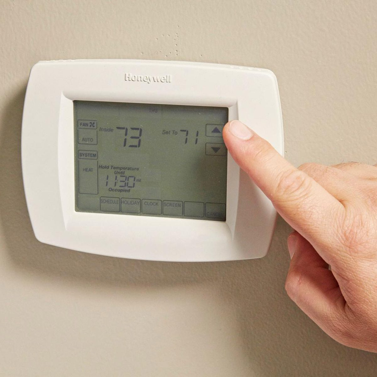 setting thermostat in home