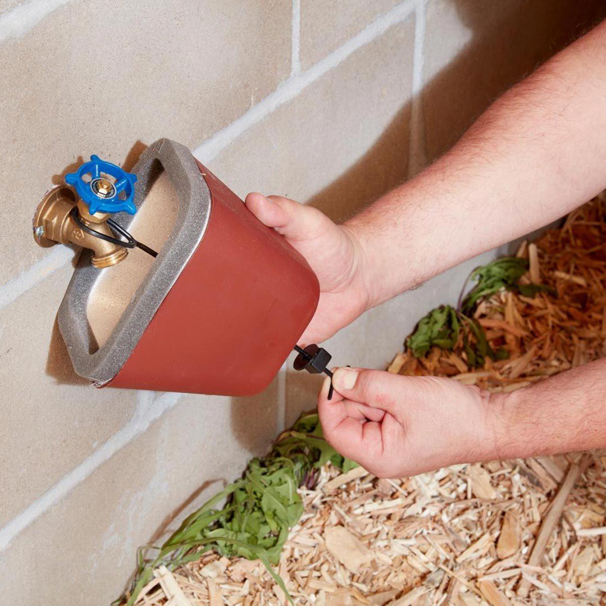 FH18DJF_583_07_008_ cover hose bibs