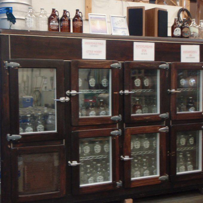 antique-beer-cooler fridge