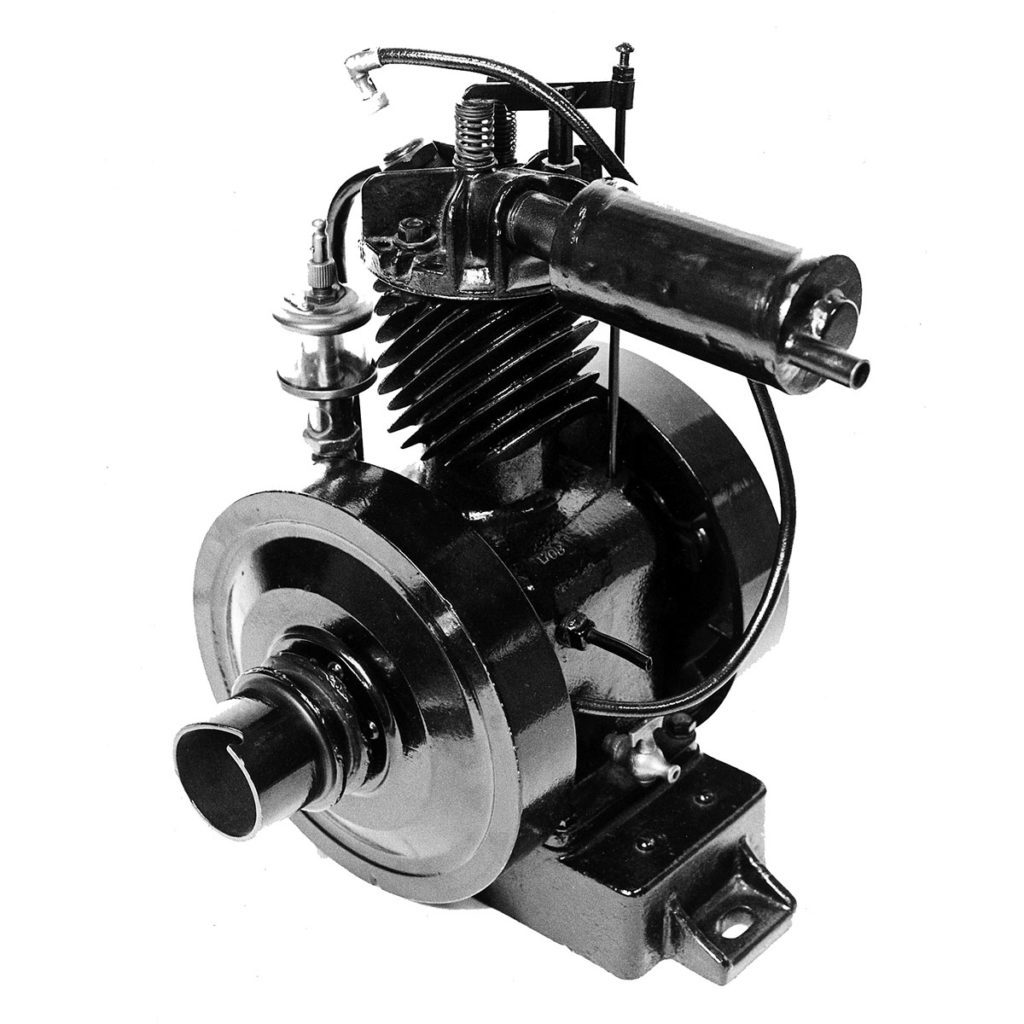 Black Briggs and Stratton engine | Construction Pro Tips