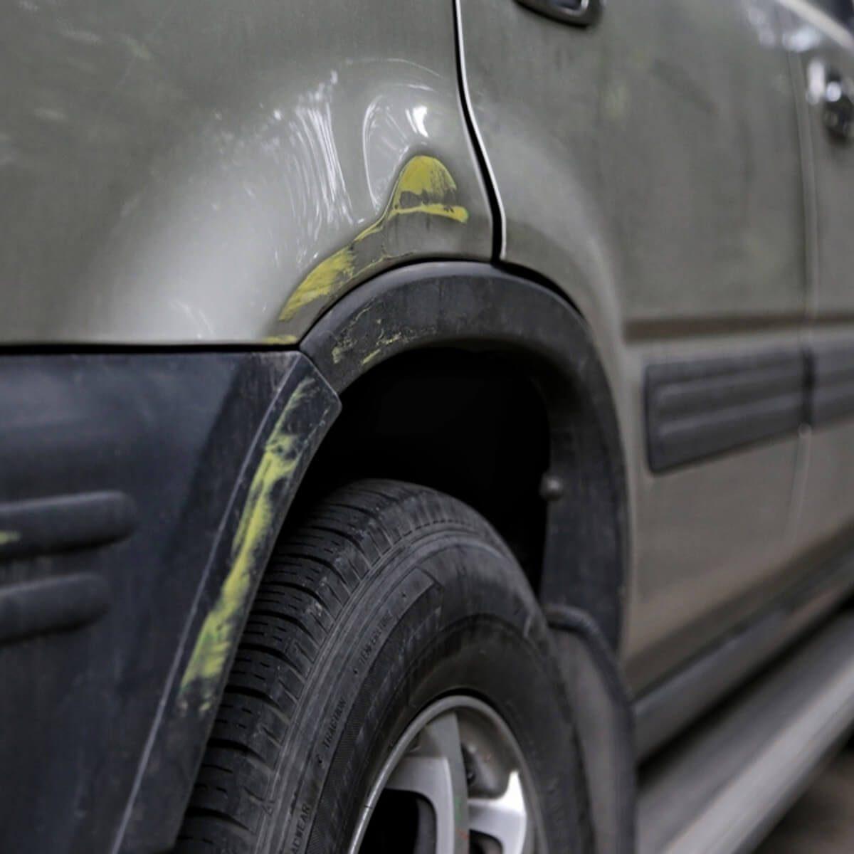 dfh10_shutterstock_697559497 car side molding