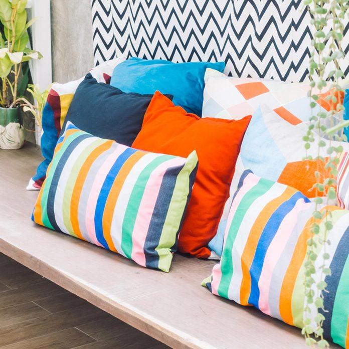 dfh5_shutterstock_390821551 patio pillows outdoor furniture