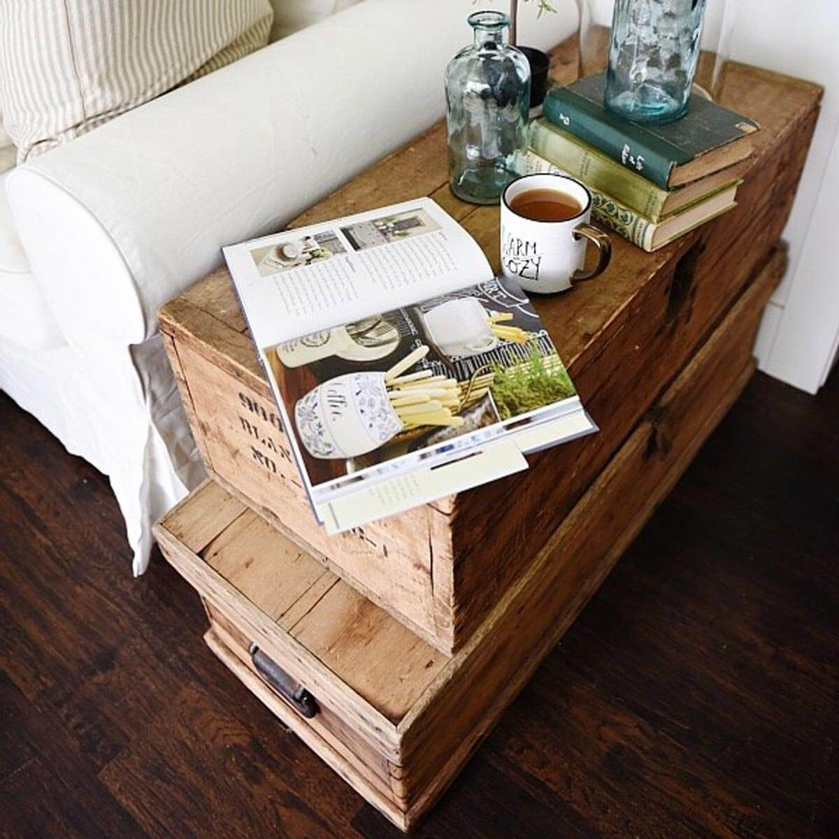 dfh9_ trunk end table
