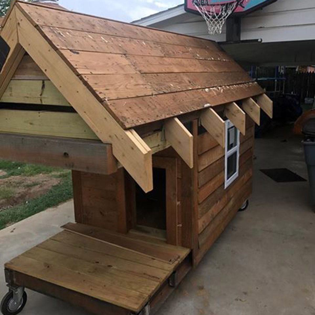 dog house construction