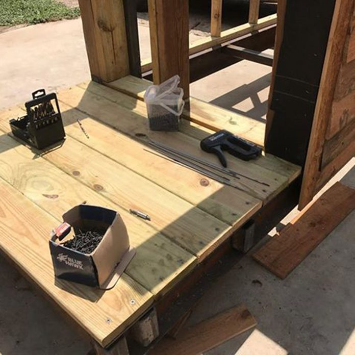 decking for dog house