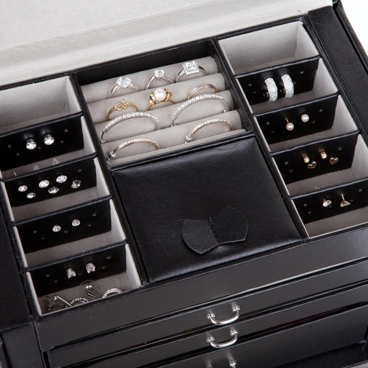 shutterstock_175087952 jewelry box