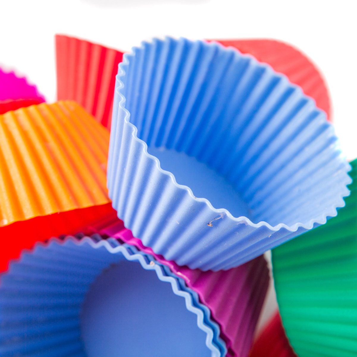 shutterstock_238523398 silicone cupcake cups