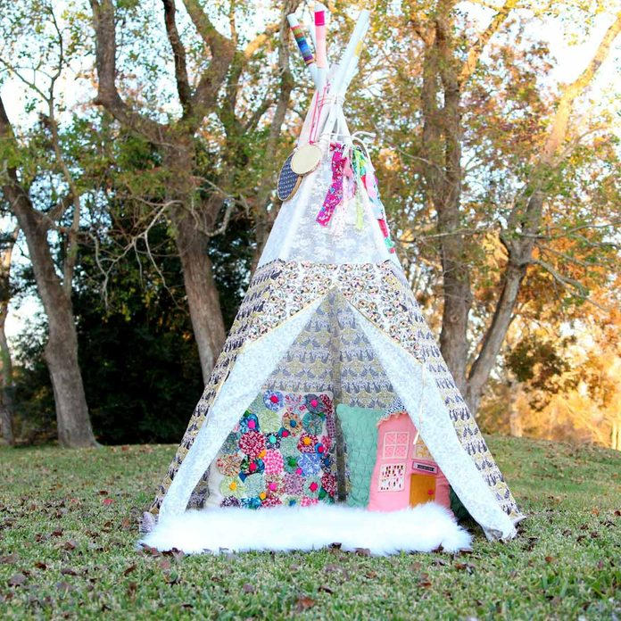teepee kids play