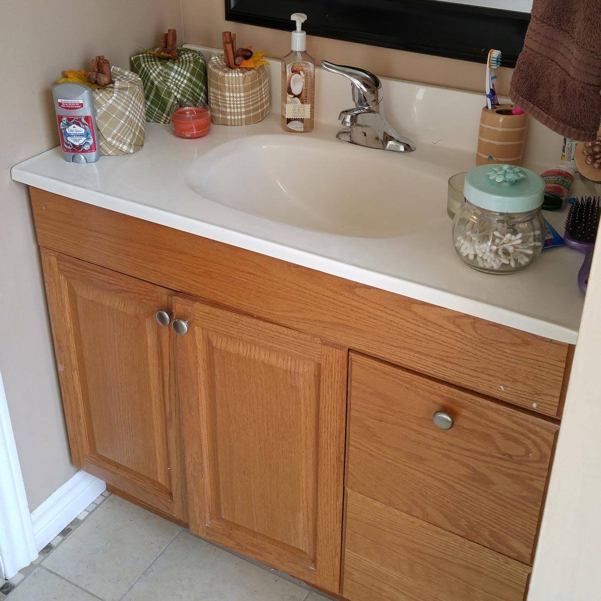 bathroom-vanity builder basic model