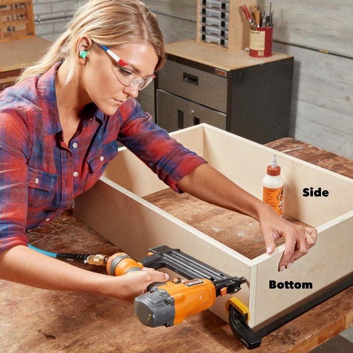 FH18DJF_583_50_003 build a cabinet