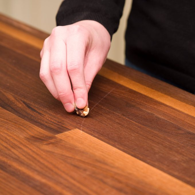 HH Walnut fixes scratched wood