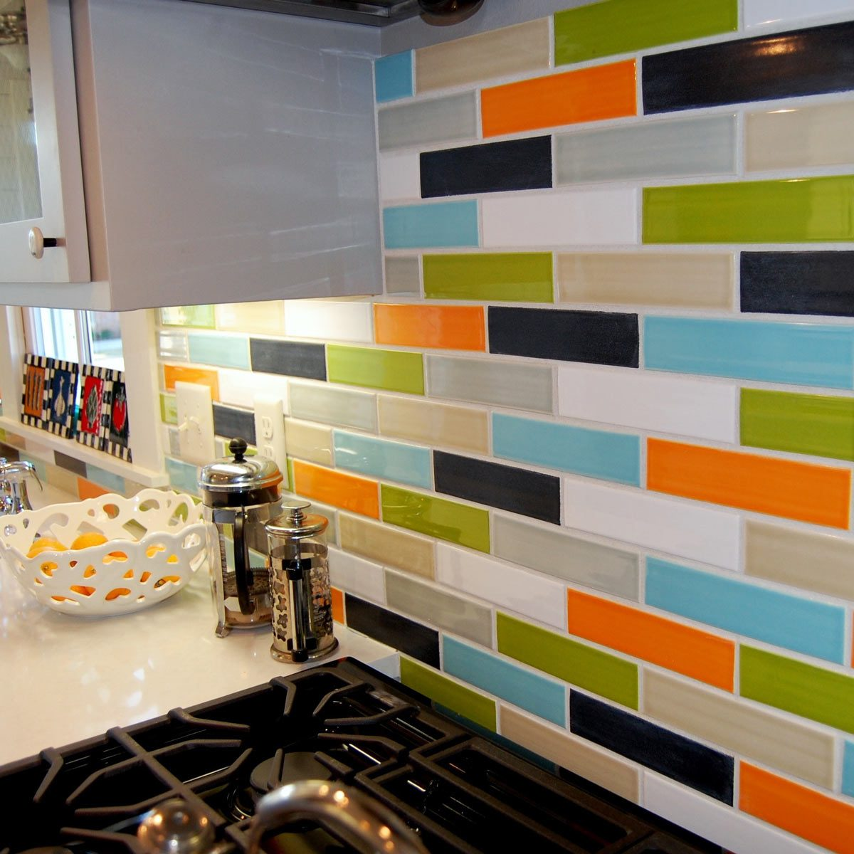 bright-colors kitchen tile backsplash