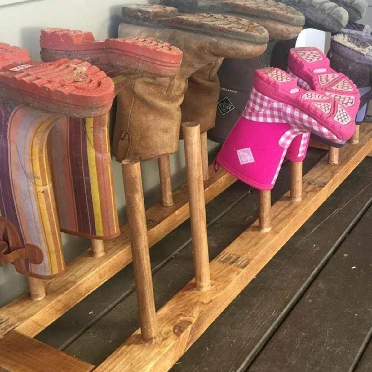 dowel-boot-rack