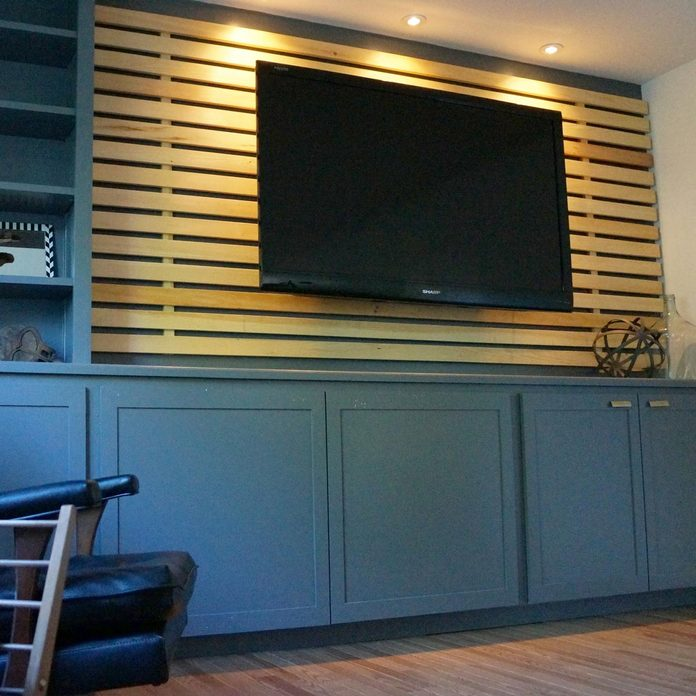 feature wood wall with tv mount
