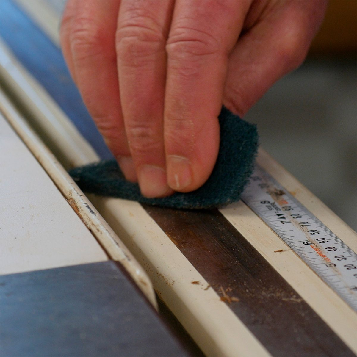 scotch pad to clean table saw surface