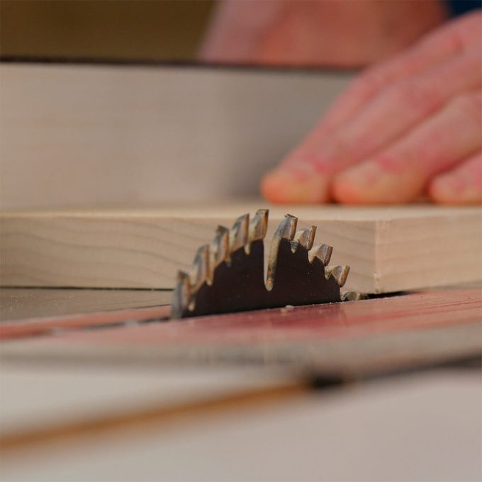 set a table saw ripping scale