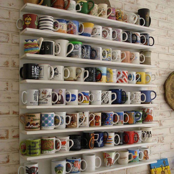 shelves-for-displaying-mugs