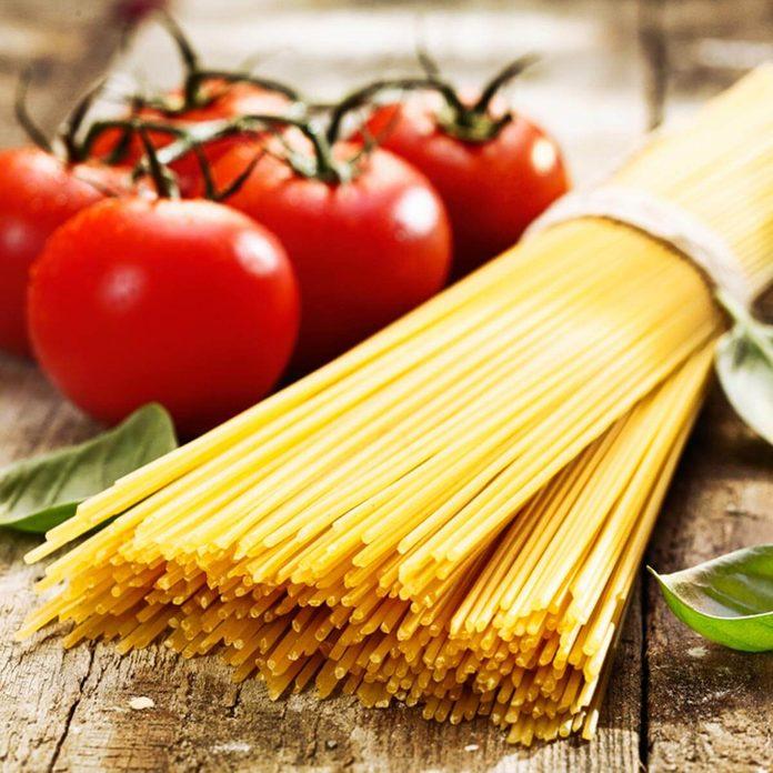 Dry pasta nooodles