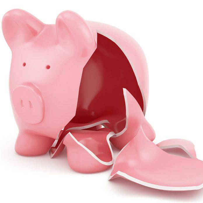shutterstock_145368937 broken piggy bank