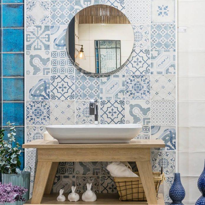shutterstock_723213394 bathroom trends in tile