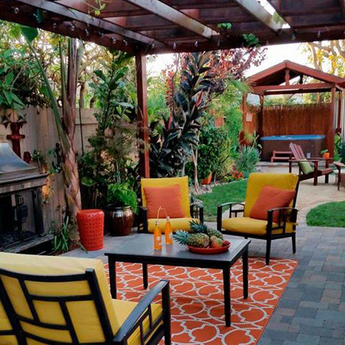 DIY backyard oasis