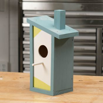 Modern Birdhouse Features