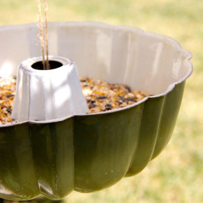 cake pan bird feeder