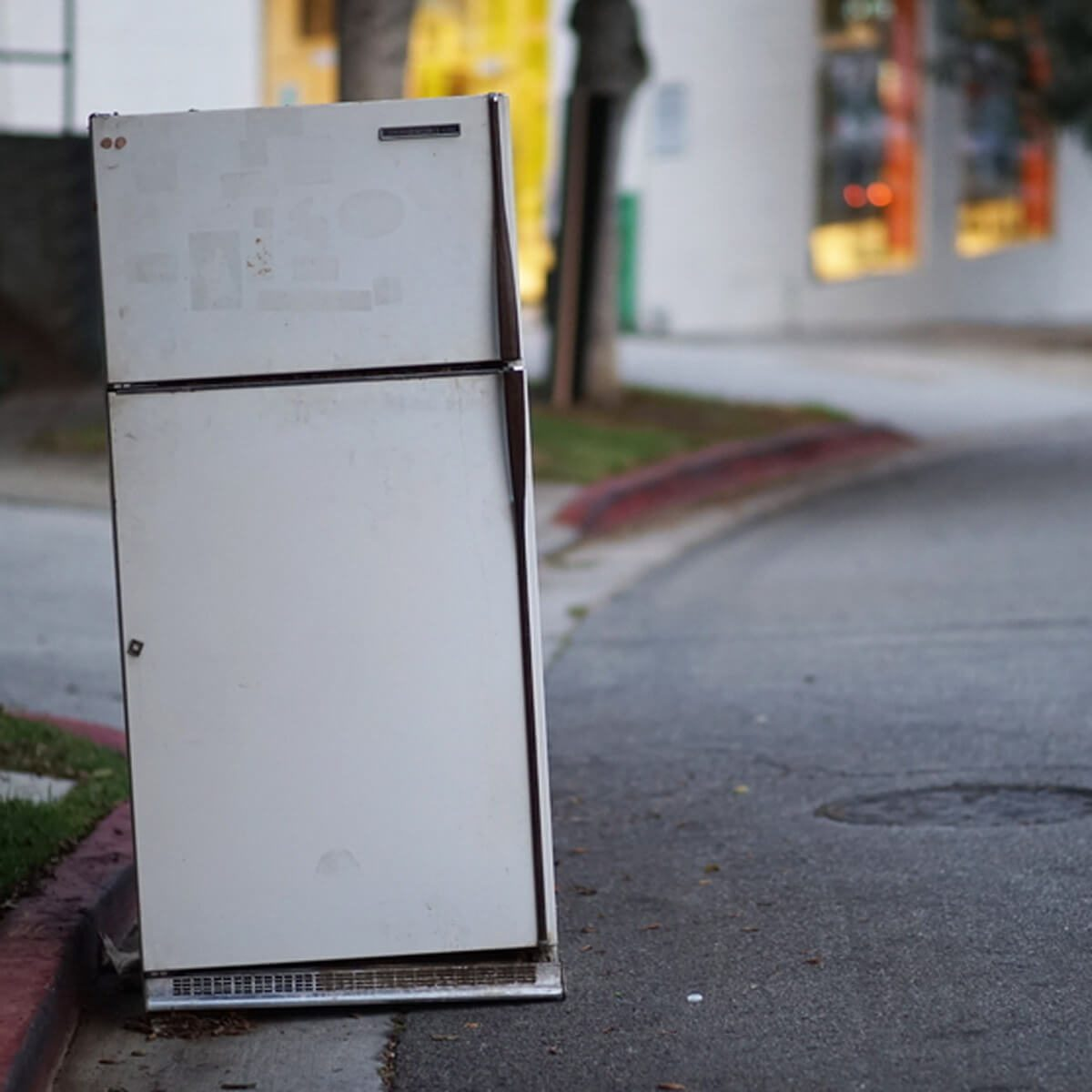 refrigerator on curb appliance pick-up