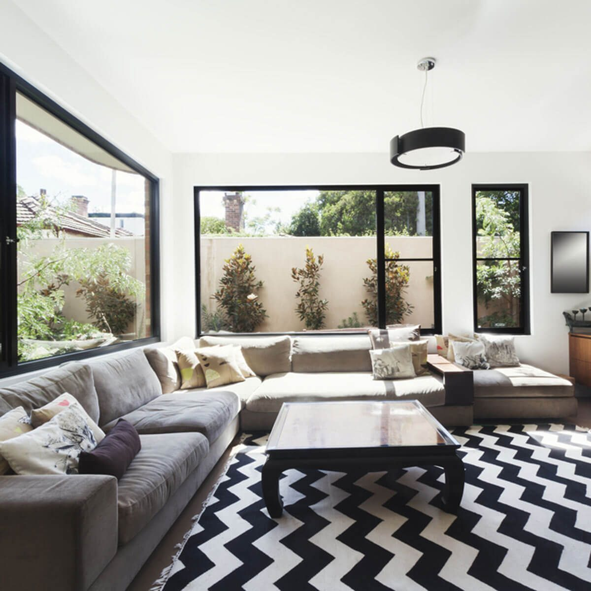 chevron rug living room