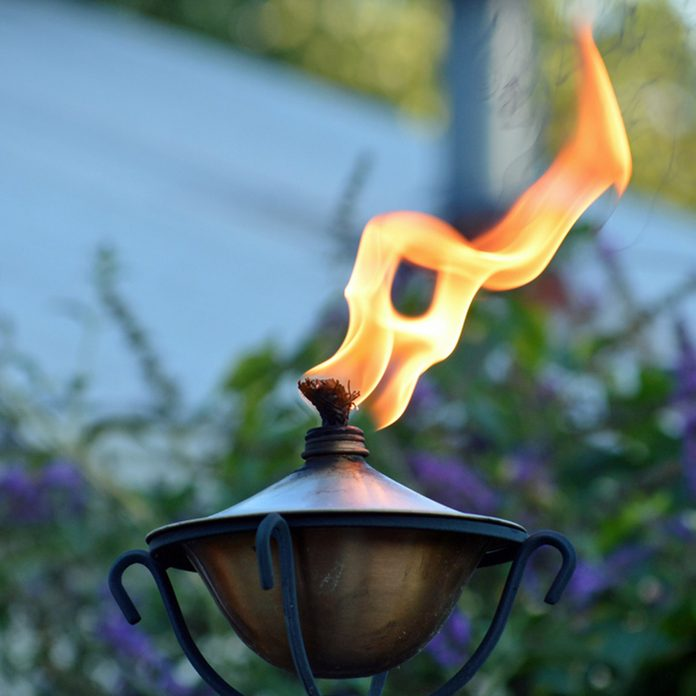 Patio torch kerosene lamp