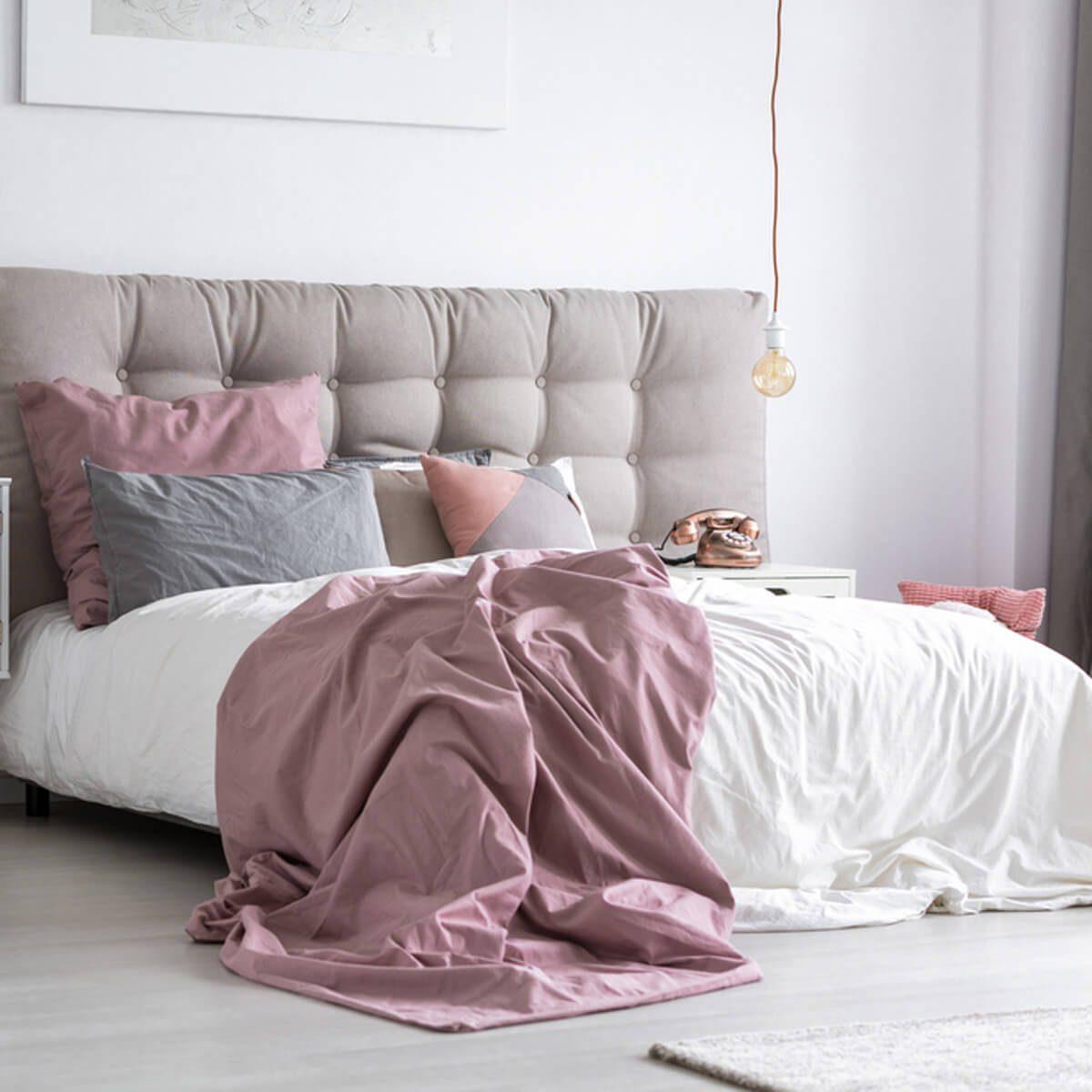 tufted headboard bed