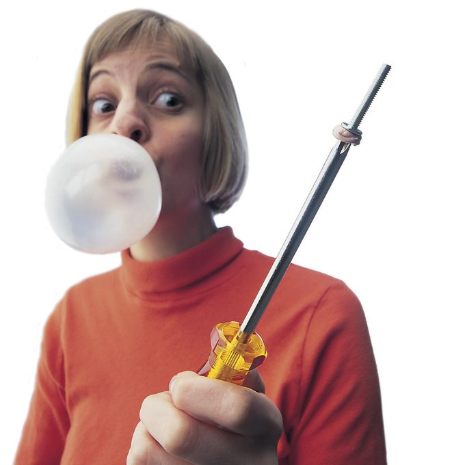 chewing gum screw holder
