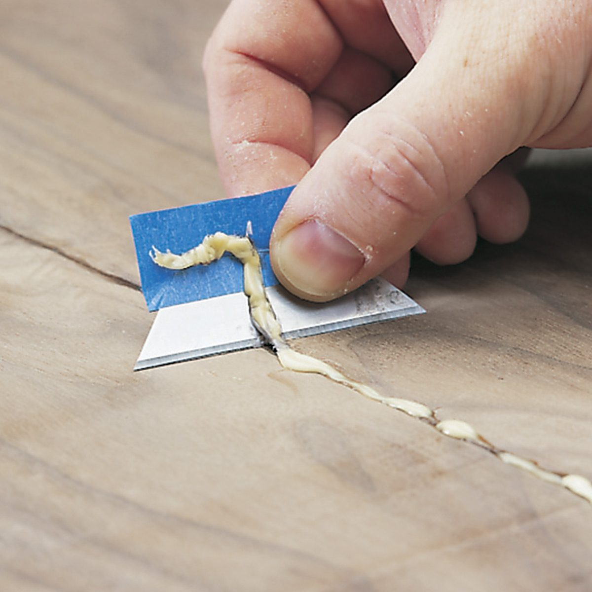 razor blade glue removal