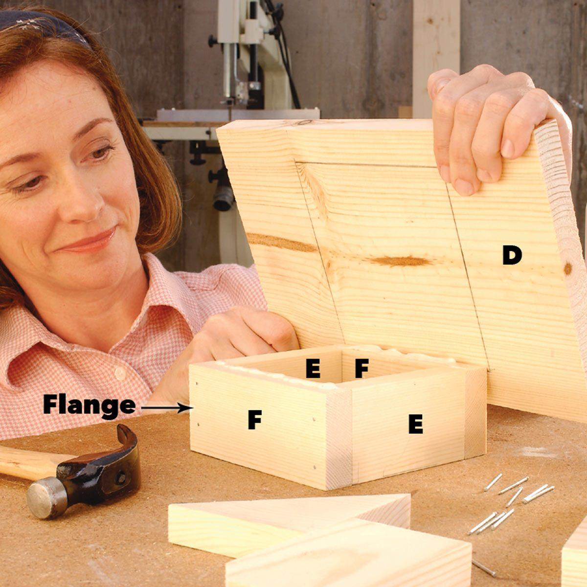 assemble birdhouse base