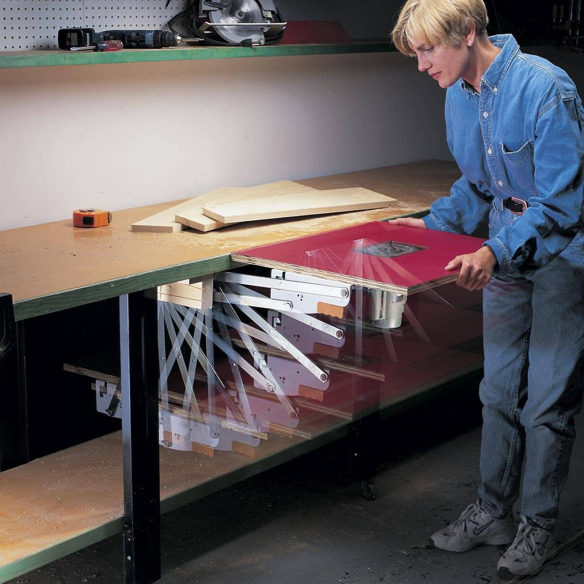 pull-out router table